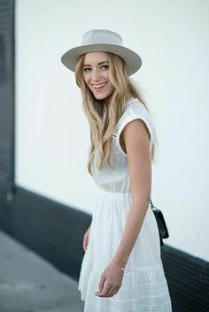 exPress-o: Happiness is a little white dress on a summer day