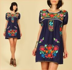 Mexican Floral Embroidered Mini Dress... Mini-vestido con Bordado Floral Mexicano...