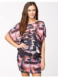 Oversized dress by Tiger of Sweden