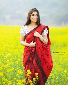 Stylish Photo Pose, Photo Poses, Traditional Dresses, Asian Beauty, Beautiful Women, Sari, Singer, Actresses, Northeast India