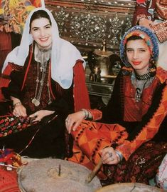 Palestinian Traditional Costumes » Gallery