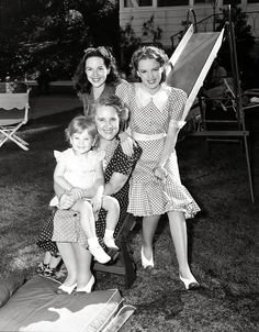 judy garland and neice | Judy+and+her+sister,+mother,+and+niece..jpg