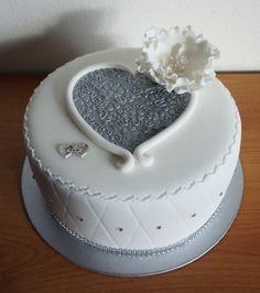 Výsledok vyhľadávania obrázkov pre dopyt torty na svadbu jednoposchodové Cute Cakes, Cake Ideas, Desserts, Food, Tailgate Desserts, Beautiful Cakes, Deserts, Pretty Cakes, Essen