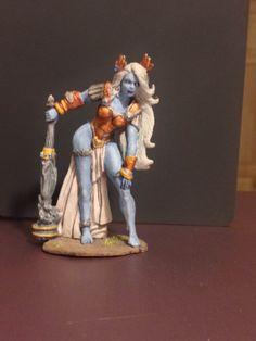 Looks like am Everquest dark elf to me! || Yephima, Female Cloud Giant Custom Painted Bones Miniature