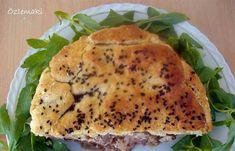 Anadolu'daki ekmek dolmanın Giritli kardeşi etli turta. Etli turtanın daha iyi tutması için beraberinde Psaranthonis'den bir şarkı dinlemeli okuyucu veya yemeği yapacak kişi.