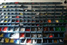Wow, if I ever get to the point that I need to organize my Lego that much, my wife will probably shoot me :)