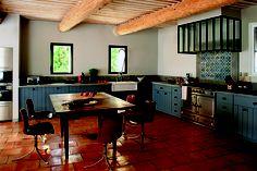 AD Russie / Hugues BOSC architectes / cuisine dans un mas a Eygalières / alpilles / Provence.