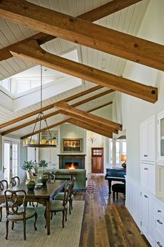 Tiburon great room, San Francisco. Aleck Wilson Architects. >> Ceiling and beams.