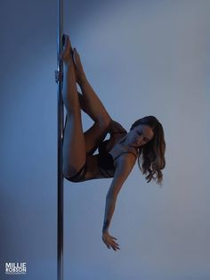 Wow, pole dance                                                                                                                                                                                 Más