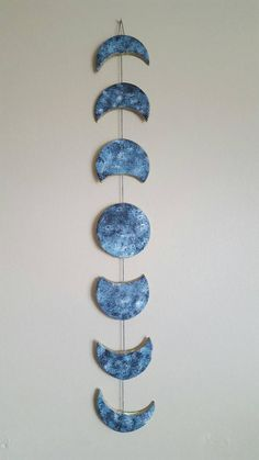 Moon Phases Wall Hanging <br> Moon Phases Mobile made from clay disks. About 2 feet long. Each disk is inches in diameter Cute Room Decor, Teen Room Decor, Bedroom Decor, Wall Decor Crafts, Diy Clay, Clay Crafts, Diy And Crafts, Keramik Design, Cd Art