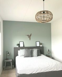 The atmospheric and quotownquot new construct home of Nelleke eigen en Het maison N Green Bedroom Walls, Sage Green Bedroom, Bedroom Wall Colors, Bedroom Color Schemes, Home Decor Bedroom, Blue Walls, Green Bedroom Colors, White Bedroom, Bedroom Ideas