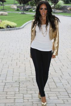 The fabulous melissa gorga Melissa Gorga House, Cold Weather Fashion, Real Housewives, Strike A Pose, Casual Wear, My Girl, Beautiful People, Hair Beauty, Stylish