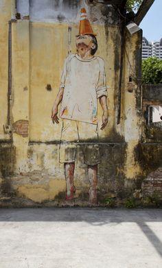 street art work by Ernest Zacharevic (aka ZACH), Lithuanian-born Malaysian resident street artist Graffiti Art, Murals Street Art, 3d Street Art, Urban Street Art, Urban Graffiti, Best Street Art, Amazing Street Art, Street Art Graffiti, Mural Art