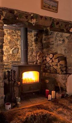 20 Ideas wood burning stove hearth cabin for 2019 Inglenook Fireplace, Stove Fireplace, Cozy Fireplace, Cottage Fireplace, Fireplace Ideas, Country Fireplace, Cabin Homes, Log Homes, Wood Stove Hearth