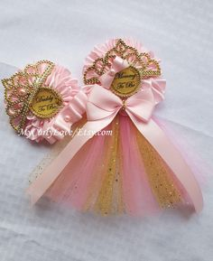Pink and Gold Princess Baby Shower Corsage/Pink and by MyCurlyLove - Baby shower stuff - Baby Tips Distintivos Baby Shower, Bebe Shower, Baby Shower Princess, Girl Shower, Baby Shower Parties, Baby Shower Themes, Shower Ideas, Princess Theme, Pink Princess