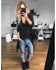 Un outfit oublié de septembre, puisque depuis les pulls sont de sortie ✔ veste et caraco #thekooples (old) jean #levis ( ancienne Co.) #stansmith #chloe