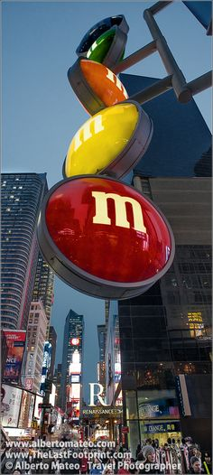 M and Ms advertising in Times Square, Manhattan, New York. | By Alberto Mateo, Travel Photographer.