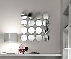 Decorative mirrors for your home, Bungalow Round mirror, Giovanni T. Garattoni, Tonelli, 2000