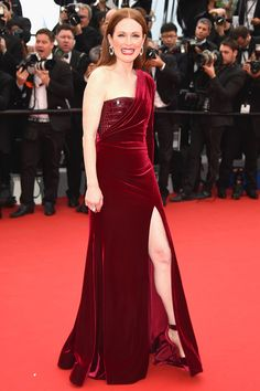 Julianne Moore in Givenchy Haute Couture by Ricardo Tisci - Cannes Film Festival 2015: Red Carpet | Harper's Bazaar