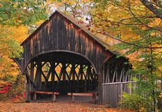 I've always thought covered bridges looked soooo beautiful.