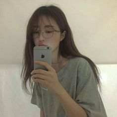 Image about girl in ulzzang by Megumi on We Heart It Ulzzang Korean Girl, Cute Korean Girl, Asian Girl, Ulzzang Girl Selca, Korean Aesthetic, Aesthetic Girl, Ulzzang Fashion, Korean Fashion, Girls Mirror