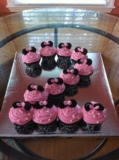 minnie mouse birthday ideas | Minnie mouse cupcakes | Birthday party ideas-1 instead of 2!