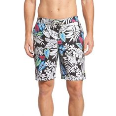Men's Tommy Bahama Baja Luau Leaves Board Shorts (295 BRL) ❤ liked on Polyvore featuring men's fashion, men's clothing, men's swimwear, jet black, men's apparel, mens swimwear, tommy bahama mens swimwear, mens board shorts swimwear and tommy bahama men's clothing
