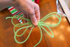 how to use deco flex tubing Mesh Ribbon Wreaths, Deco Mesh Ribbon, Christmas Mesh Wreaths, Wreaths And Garlands, Deco Mesh Wreaths, Winter Wreaths, Burlap Wreaths, Mesh Bows, Yarn Wreaths