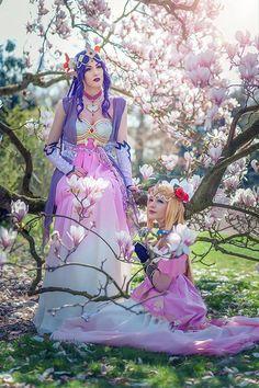 Zelda and Hilda from The Legend of Zelda (Art Nouveau) Cosplayer: Of Doom Cosplay Photographer: @Ragnara Fotografie