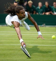 Dustin Brown making a crazy #Wimbledon just a little more interesting.  #Tennis #Dustin_Brown #Jamaica #Dreddy