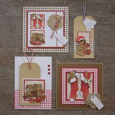KreaDoe pakket: Kerstberen - Voordeel-pakketten zijn pakketten met al wat oudere vellen erin. Van die vellen maken we dan weer nieuwe kaarten. De foto's (geen beschrijvingen) zetten we dan weer op de website. Zo'n pakket is bijna de helft goedkoper, dan als je de vellen los zou kopen. Je kunt de voordeelpakketten bestellen in onze webwinkel. Volg de link.