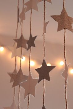Google Image Result for http://cookquiltmakeandbake.files.wordpress.com/2011/12/star-garland-3.jpg%3Fw%3D640