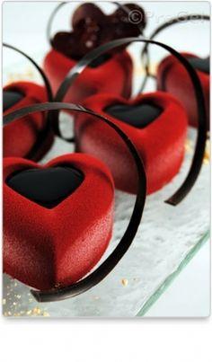 PreGel America | Valentine's Day Entremet Monoportions Valentine Desserts, Valentine Theme, Saint Valentine, Sweet Desserts, No Bake Desserts, Valentines Day, Biscuits, Heart Cakes, Afternoon Tea Parties
