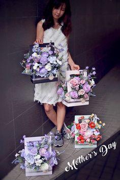 28 Best Ideas For Flowers Gift Arrangement Florists Flower Crafts, Diy Flowers, Flower Decorations, Flower Art, Paper Flowers, Wedding Decorations, Flower Box Gift, Flower Boxes, Flower Basket