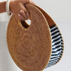 Best 12 Round juta cord bag crochet tasseled handbag summer tote circular purse circle bags custom made – Page 841891724070969951 – SkillOfKing. Mark And Graham, Handbags On Sale, Purses And Handbags, Luxury Handbags, Bag Women, Basket Bag, Custom Bags, Handmade Bags, Fashion Bags