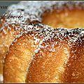 Un gâteau tout doux et moelleux comme un oreiller ... 4 oeufs /120g de sucre en poudre + 30g / 1 trait de jus...