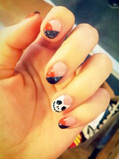 French nail for Halloween; Black+Orange color and cute SKULL*