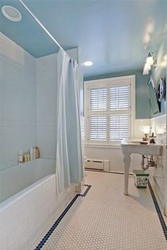 I love the blue of the bathroom inside this mansion. I loooove it! Boerum Hill Has a New Priciest Townhouse fon the Market - Curbed NY