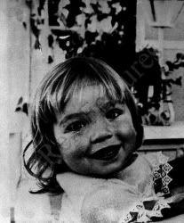 Shirley MacLaine childhood photo  http://celebrity-childhood-photos.tumblr.com/