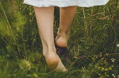 Chodenie naboso má svoje výhody