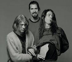 Nirvana 's smiley face logo is iconic, instantly recognisable as the face of grunge, the genre the band helped create. Dave Grohl, Pearl Jam, Donald Cobain, Nirvana Kurt Cobain, Hip Hop, 90s Grunge, Foo Fighters, Cultura Pop, Rock Music