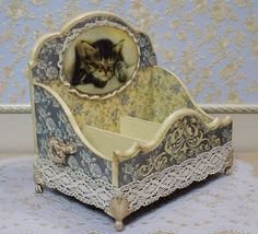Decoupage Glass, Decoupage Box, Antique Boxes, Antique Lamps, Pretty Storage Boxes, Pretty Box, Altered Boxes, Chocolate Box, Handmade Decorations
