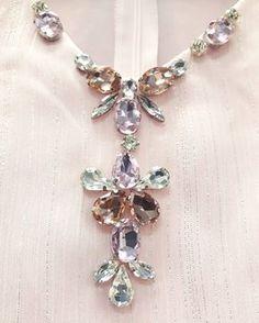Cantik tak? Saya memang suka gunakan glass beads sebab dia sangat bling-bling . Kalau suka meh lah hantar kat kami. Siapa nak hantar… Bead Embroidery Tutorial, Bead Embroidery Patterns, Couture Embroidery, Embroidery Fashion, Embroidery Jewelry, Hand Embroidery Designs, Embroidery Dress, Ribbon Embroidery, Crystal Embroidery