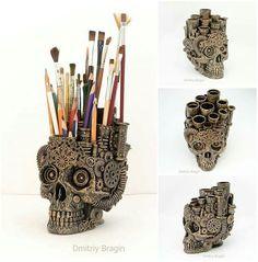 Skull Organiser by Dmitriy Bragin