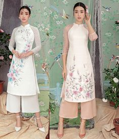 ha vi mac ao dai ho lung, sexy lan at hoa hau dip tet mau tuat hinh anh 3 Oriental Fashion, Asian Fashion, Hijab Fashion, Fashion Outfits, Runway Fashion, Fashion Trends, Vietnamese Traditional Dress, Vietnamese Dress, Traditional Dresses