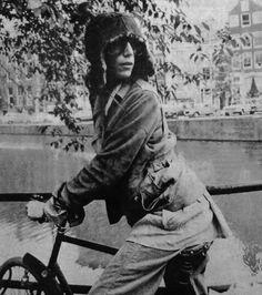 Patti Smith 1976, photo by Pennie Smith.
