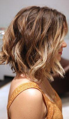 10 leicht gewellte BOB-Frisuren, die Du Dir absolut anschauen solltest! - Neue Frisur