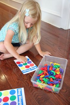 Toddler-Approved Color Game for Kids: Bingo. Try this as a Spanish activity! Free printable bingo boards available from Mamasmiles. Great for practicing colors in Spanish, as well as Spanish vocabulary for whatever markers you use.  http://www.toddlerapproved.com/2014/07/color-game-for-kids-bug-bingo.html