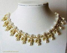 Collar en twist, mostacillas y perlas. Precioso!!!