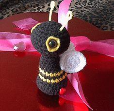 Bee Amigurumi - Free by Heliinä Swerdlyk